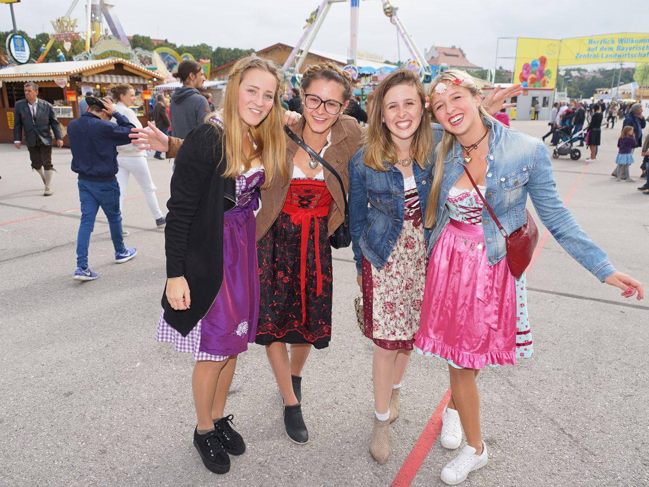 premium selection bb70e b694f Mode für das Oktoberfest: Dirndl, Lederhosen München