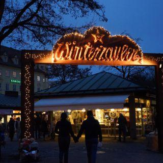 Winterzauber auf dem Viktualienmarkt - Festlich erleuchtet