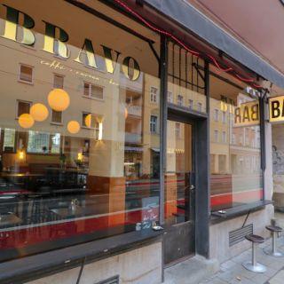 Entdeckt die Bravo Bar in Bildern