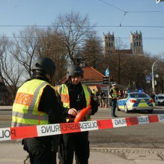 Großeinsatz der Polizei nach Schießerei in der Au