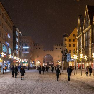 Winterliches Schneetreiben in München