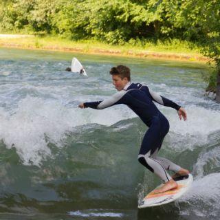 Surfen an der Floßlände