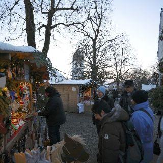 Impressionen vom malerischen Christkindlmarkt auf der Fraueninsel.