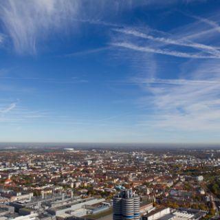 In jeder Himmelsrichtung gibt es etwas zu entdecken und zu bestaunen und teilweise sieht man bis an den Stadtrand.