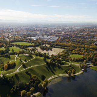 Wer noch den Park erkunden möchte, kann sich aus dieser Höhe schon mal wunderbar orientieren.