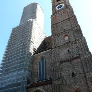 Die Frauenkirche, spätgotische Kathedralkirche des Erzbischofs von München und Freising, gilt als Wahrzeichen der bayerischen Landeshauptstadt.
