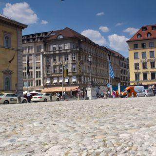Max-Joseph-Platz in München Altstadt