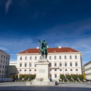 Wittelsbacherplatz in München