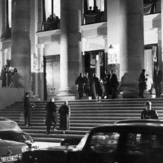 Wiederaufbau und Eröffnung des Nationaltheaters