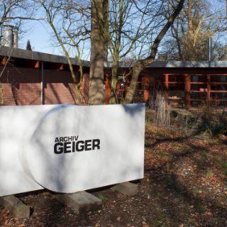 Der Garten vor dem Archiv in München-Solln