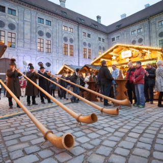 Weihnachtsdorf in der Residenz - Tradition im Kaiserhof