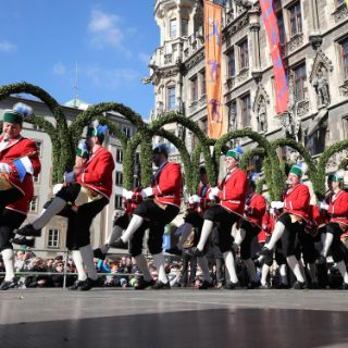 Tanz der Schäffler auf dem Marienplatz 2017