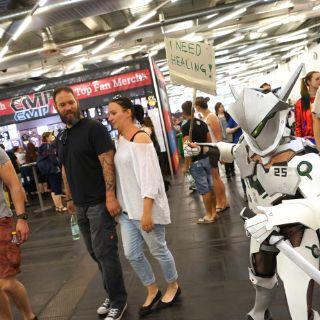 Cosplay-Universum zeigt sich im MOC von seiner schrillen Seite
