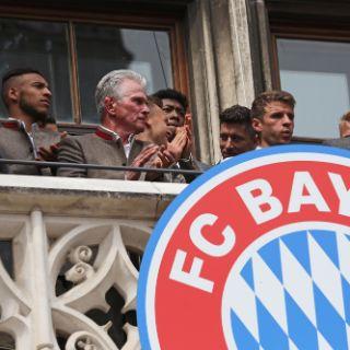 Fans feiern die Meisterschaft des FC Bayern München