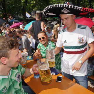 Sonniges Wetter zum Spiel in Biergärten und auf der Leopoldstraße