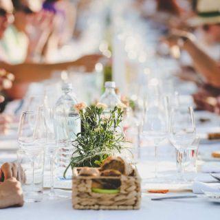 Münchens Gastronomen holen den Kurzurlaub nach München! Das Weinviertel schenkt im Juni 2019 wieder Sommerfeeling ein.