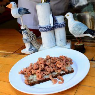 Krabben auf Brot