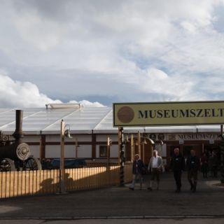 Das Museumszelt auf der Oidn Wiesn