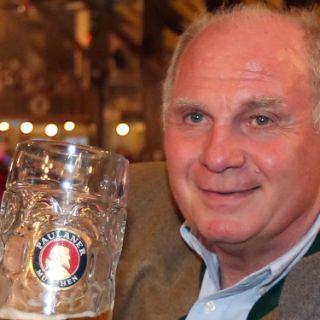 FC Bayern Legenden im Winzerer Fahndl auf dem Oktoberfest