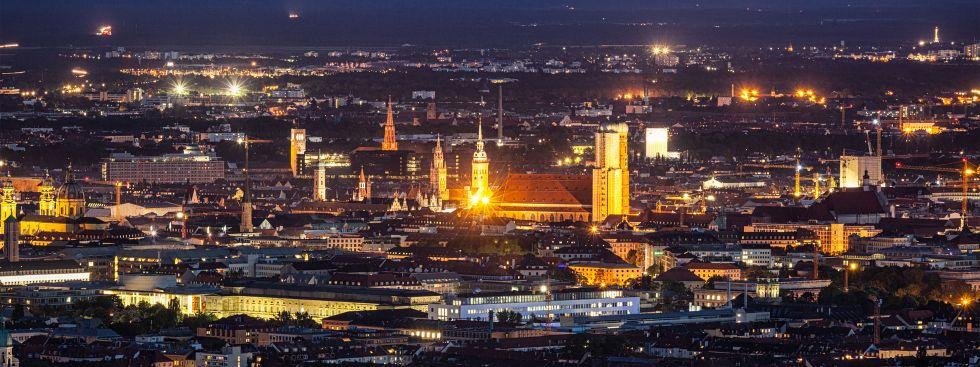 München-Panorama bei Nacht