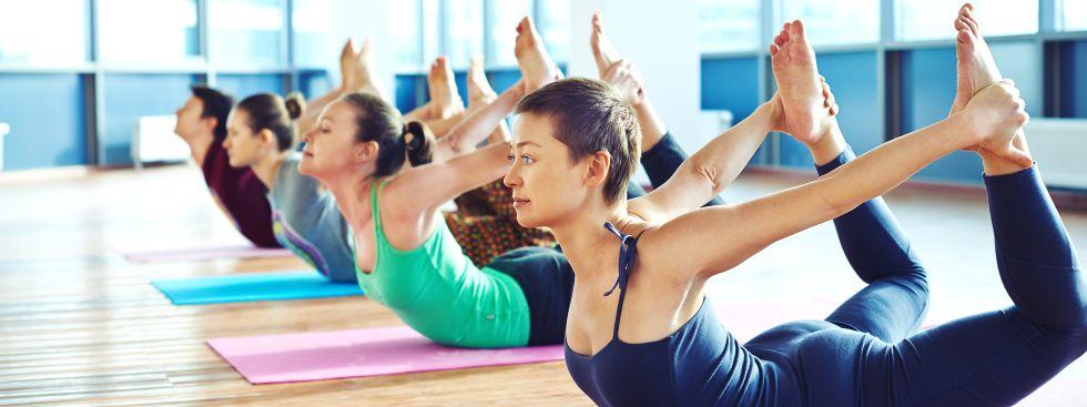 Gruppe beim Yoga