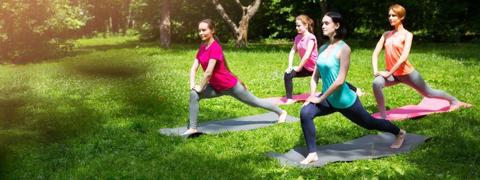 Fitnessübungen im Park