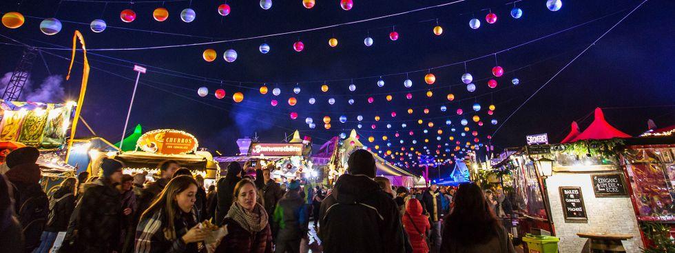 Weihnachtsbeleuchtung beim Wintertollwood 2018