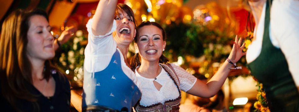 Party im Hippodrom auf dem Frühlingsfest
