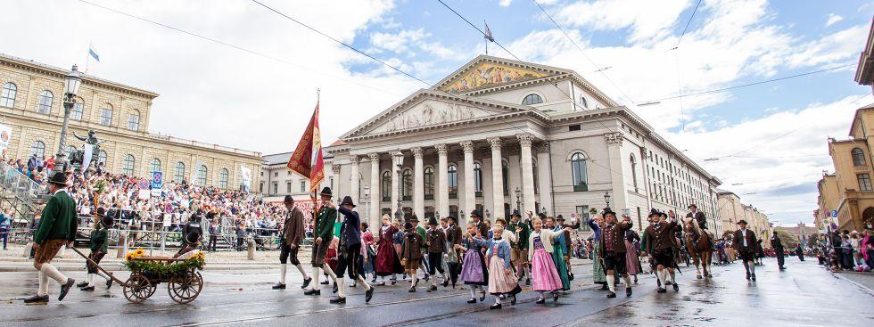 Traditioneller Trachtenumzug Wiesn 2018