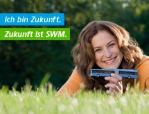 Frau auf Wiese: Zukunft ist SWM, Foto: SWM/Kerstin Groh