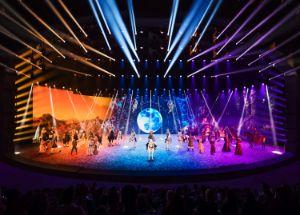 Farbspektakel im Showpalast, Foto: EQUILA
