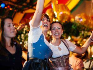 Party im Hippodrom auf dem Frühlingsfest, Foto: Hippodrom