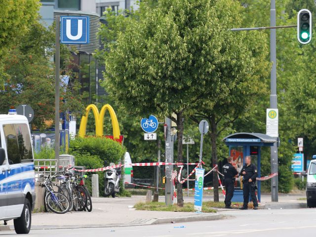 Der abgesperrte Tatort, Foto: Karl-Josef Hildenbrand/dpa