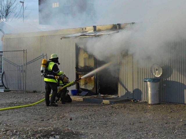Feuer im Euroindustriepark 27.1.16, Foto: Berufsfeuerwehr München