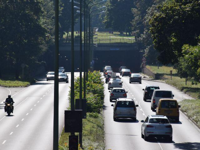 Der Biedersteiner Tunnel am Mittleren Ring Isarring in Schwabing, Foto: muenchen.de/Mark Read