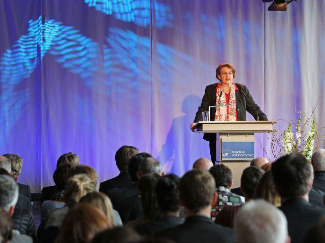 Bürgermeisterin Christine Strobl spricht bei der Eröffnung des Einstein 28, Foto: Michael Nagy/Presseamt München