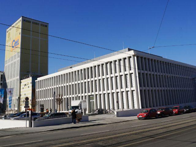Das Verwaltungsgebäude der Paulaner-Brauerei an der Ohlmüllerstraße, Foto: muenchen.de / Dan Vauelle