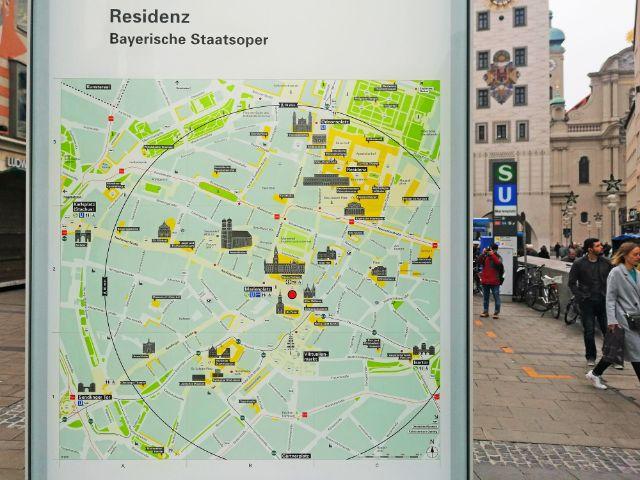 Touristisches Orientierungssystem: Stadtplan, Foto: muenchen.de/Leonie Liebich