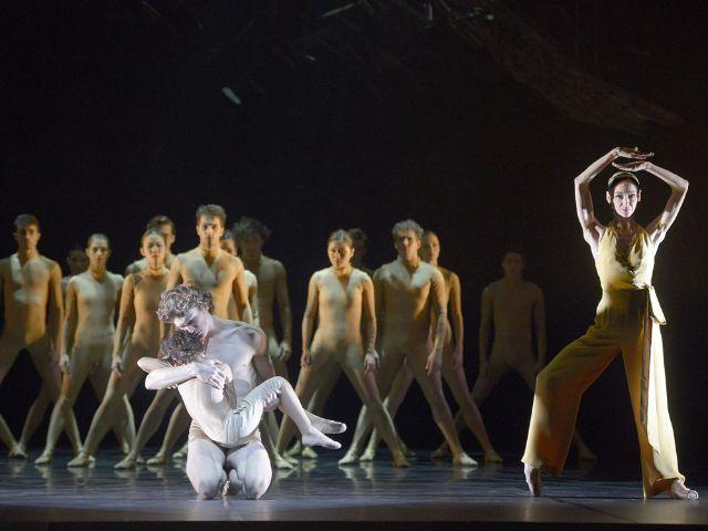 """Faust-Festival München: """"Faust 2 - Erlösung"""" Ballett Dortmund, Foto: Bettina Stöss"""