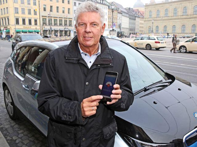 OB Reiter stellt HandyParken App vor, Foto: Michael Nagy/Presseamt München