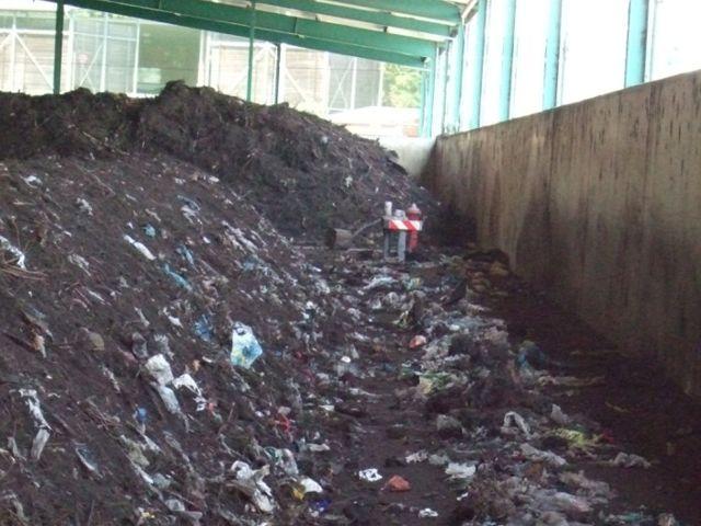 Plastik im Biomüll, Foto: Abfallwirtschaftsbetrieb München