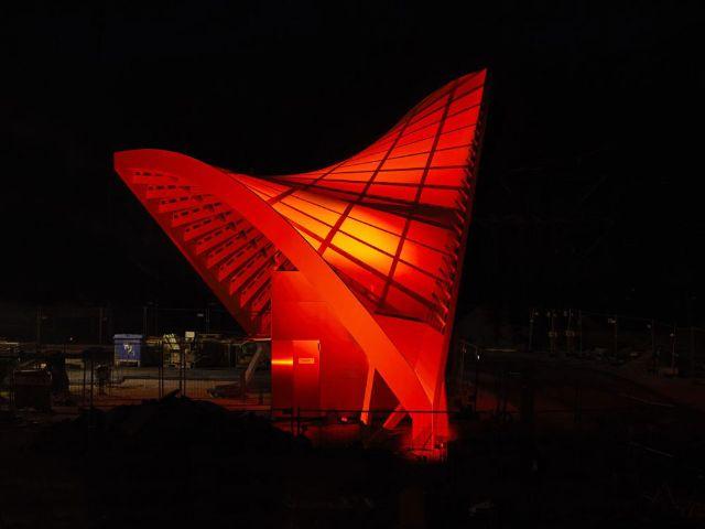 Lichtinstallation an der Tramhaltestelle am Schwabinger Tor, Foto: Jost Hurler Gruppe