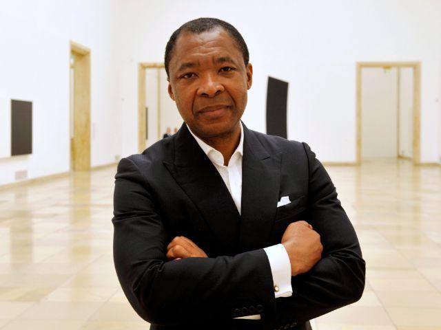 Der frühere Direktor des Hauses der Kunst Okwui Enwezor, Foto: Frank Leonhardt/dpa/Archiv