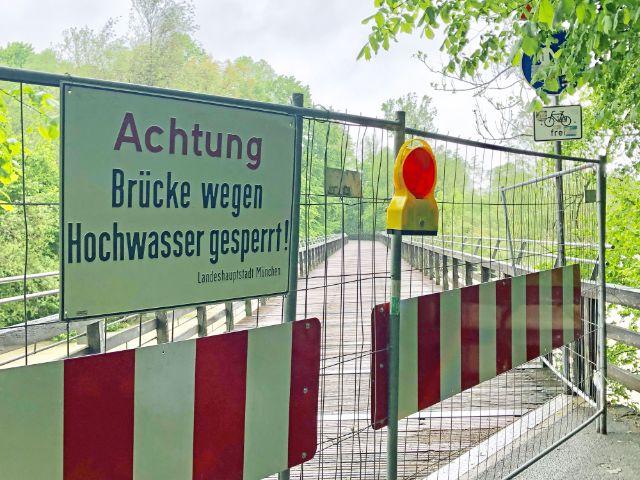 Hochwasser am Flaucher - Brückensperrung, Foto: muenchen.de/Gunnar Jans