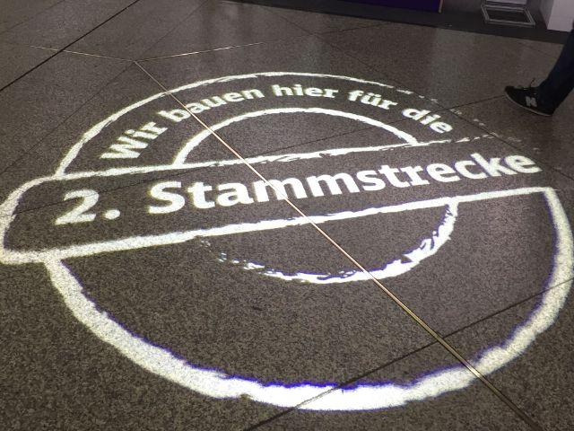 Hinweis zur Sperrung der Schalterhalle am Hauptbahnhof, Foto: muenchen.de/Mark Read