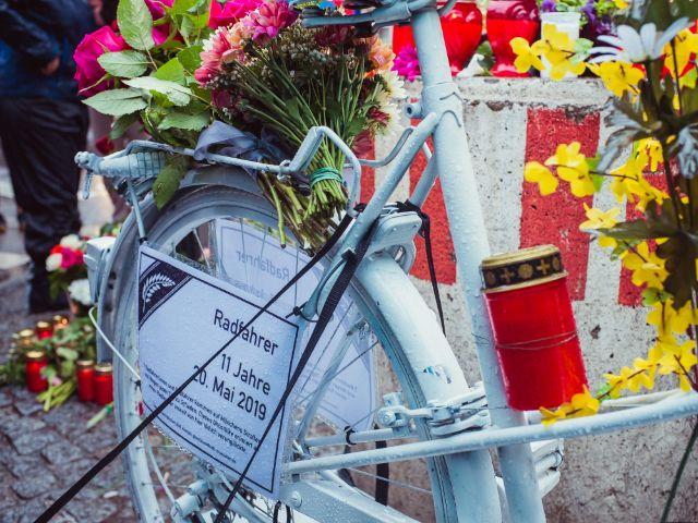 Mahnwache für den verstorbenen 11-jährigen Radler., Foto: Anette Göttlicher