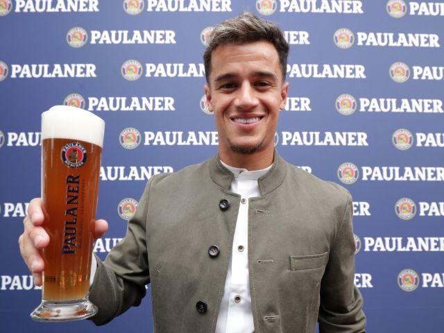 Bayern-Stars posieren in Tracht, Foto: Paulaner Brauerei München