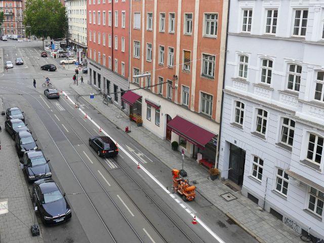Markierung der neuen Radfahrstreifen an der Fraunhoferstraße, Foto: muenchen.de/Mark Read