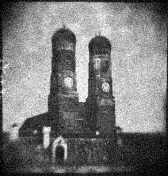 Das erste deutsche Foto zeigt die Frauenkirche, Foto: gemeinfrei
