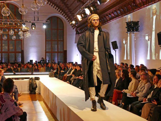 """Gewinner-Kollektion """"l'essence"""" von Josephine Klock, Foto: muenchen.de/Leonie Liebich"""
